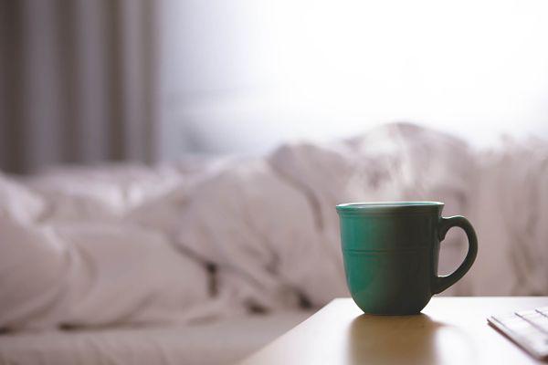 Утро и кружка кофе